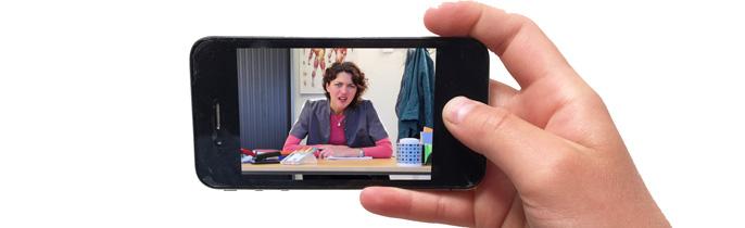 Beter 1 professionele camera in de hand dan 10 smartphones in de lucht? Of…